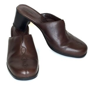 CLARKS Brown Leather Slip On Mules Clogs 6.5